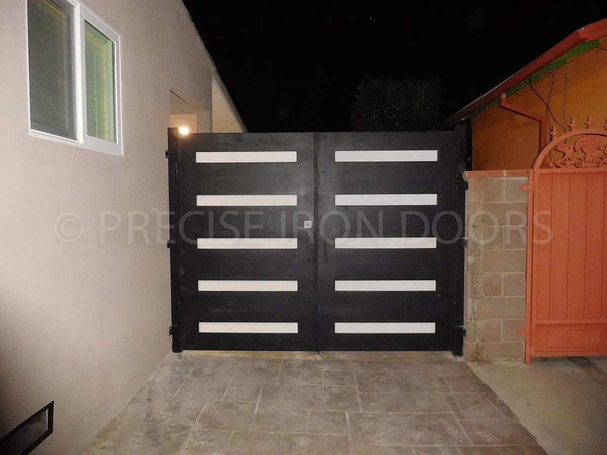 Modern Gate 01