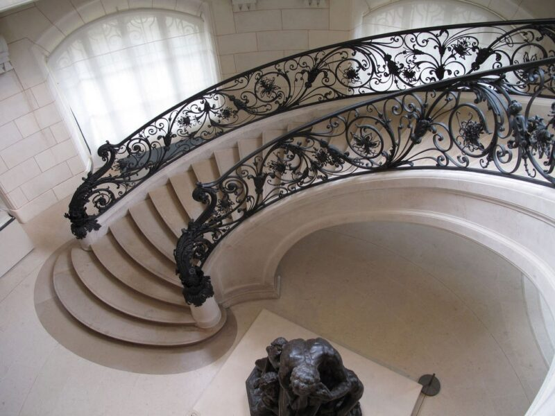 Circular staircase with the statue